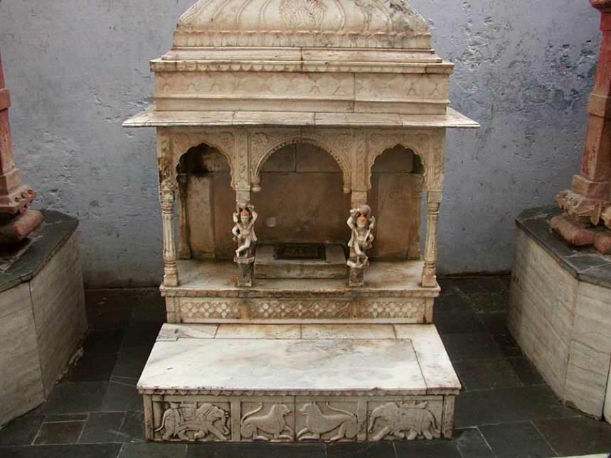 Radharamanvrindavan268-v.jpg